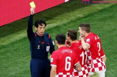 "W杯開幕戦、西村主審は誤審をしたのか?""大会第1戦""の意味とクロアチア監督が批判した理由"