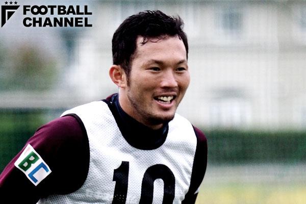 トレーニングに臨んでいる松本山雅FCのDF飯田真輝