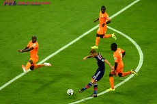 フランスメディアが見た日本。本田を「宝石」と絶賛もチームへの言及少なく。話題の中心はドログバ