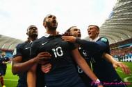 意外とゲンを担ぐフランス。3-0、エース・ベンゼマの活躍に国内は超ポジティブな空気