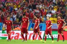 """スペインが早期敗退した4つの理由。現地メディアは「王位を放棄」、10選手""""採点不能""""と酷評"""