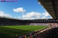 """フットボールマネーを追え!【03】Jリーグが見習うべき欧州スタジアムの『おもてなし』。工夫は観客を呼び、""""どんぶり勘定""""はリーグ衰退を招く"""