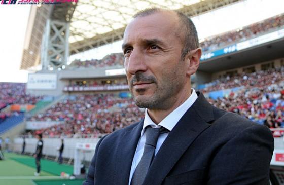 元FC東京、C大阪のポポヴィッチ監督が退席処分。相手スタッフの局部を殴打