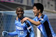 フォルランが2得点でC大阪を救う。磐田はアダイウトン大爆発で首位へ!…J2第5節