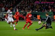 バイエルン、3冠の夢消える。GKが好守連発の試合はPK戦で決着2