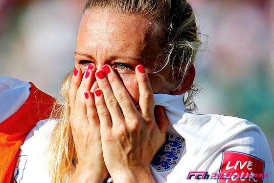 OGで号泣するイングランドDFに国民から激励の嵐。監督は「泣いていいんだ」