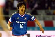 芸術FKにハードワーク――。横浜FMの背番号10が見せた輝きと献身。浦和を手玉に取った中村俊輔