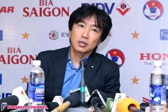 ベトナム代表の三浦監督、偽のSNSアカウントが『辞職』と投稿。現地メディアが誤報