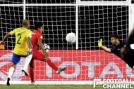 ハンドの反則は見逃され、ペルーのゴールは認められた
