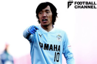 ジュビロ磐田に加入した中村俊輔。低い位置でボールを受けゲームメイクを試みた