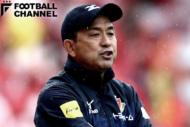 川崎フロンターレの選手たちの技術を向上させ、現在は名古屋グランパスを率いている風間八宏監督