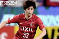 両サイドでプレーできる安西幸輝。内田はあこがれの選手だったという