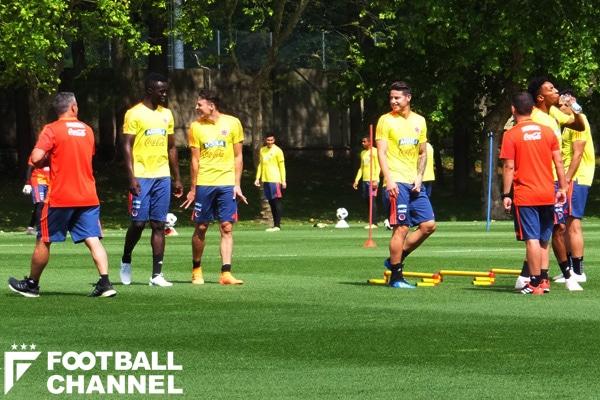 戦術練習は一切公開せず。ミラネッロという練習場の環境にコロンビアの選手たちは満足しているようだ【写真:神尾光臣】